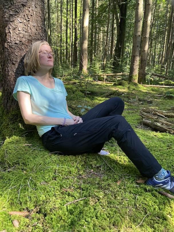 """Mit 1:1 Waldbaden Online deinem akuten Stress abbauen und dem krank machenden Stress für immer """"adieu"""" sagen. Für deine Gesundheit mit persönlicher Betreuung von mir."""