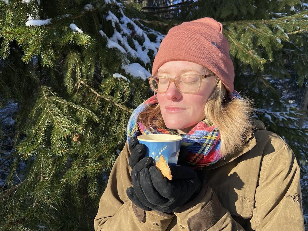 Blogartikel Waldbaden im Winter - Teegenuss im Wald